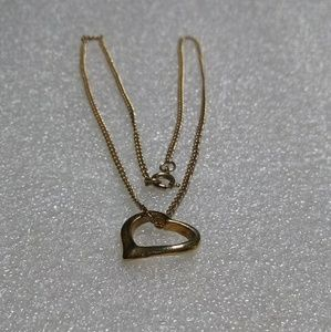 Jewelry - Gold floating heart on a gold chain